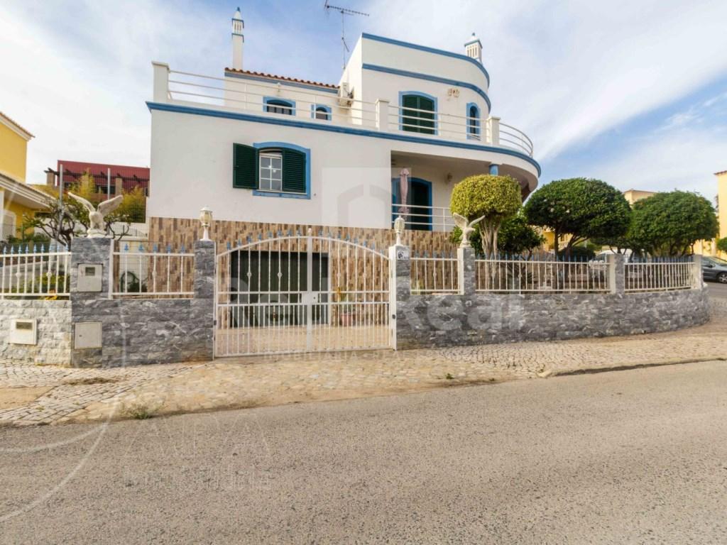 4 Bedrooms Detached House in  Brancanes (1)