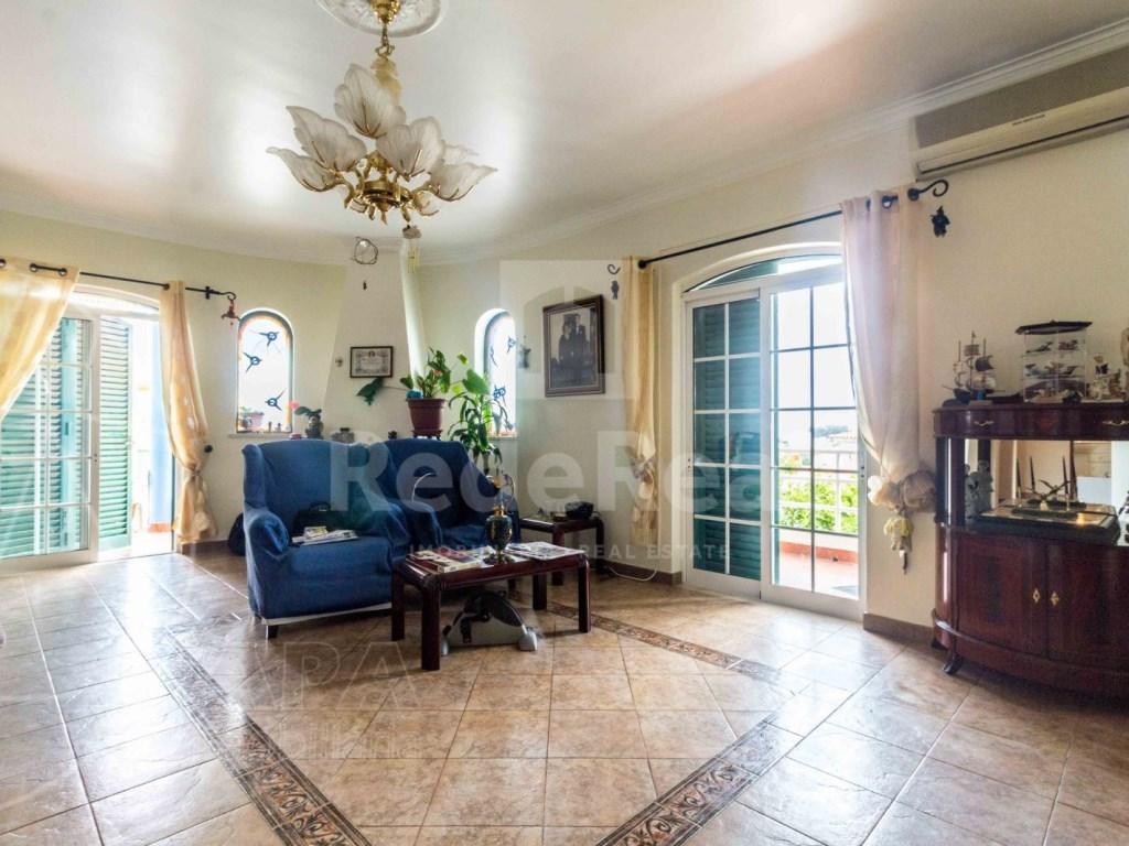 4 Bedrooms Detached House in  Brancanes (7)