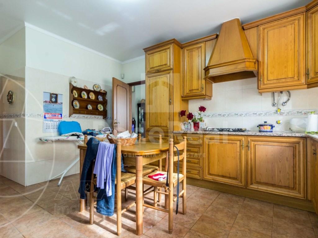 4 Bedrooms Detached House in  Brancanes (9)