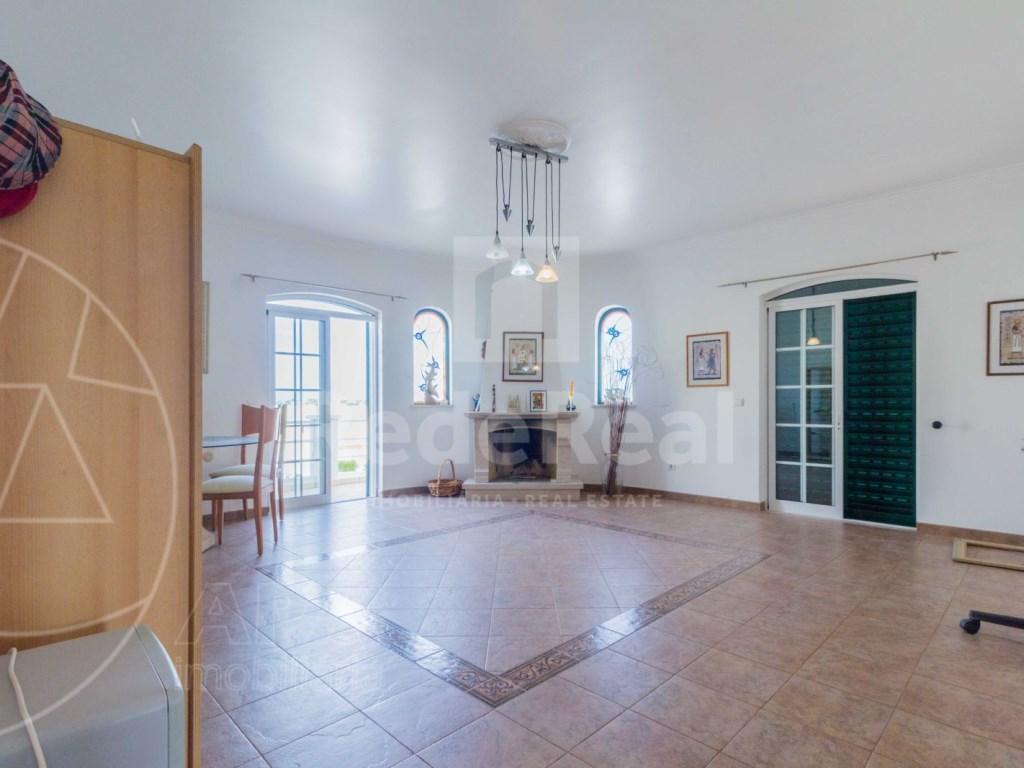 4 Bedrooms Detached House in  Brancanes (29)