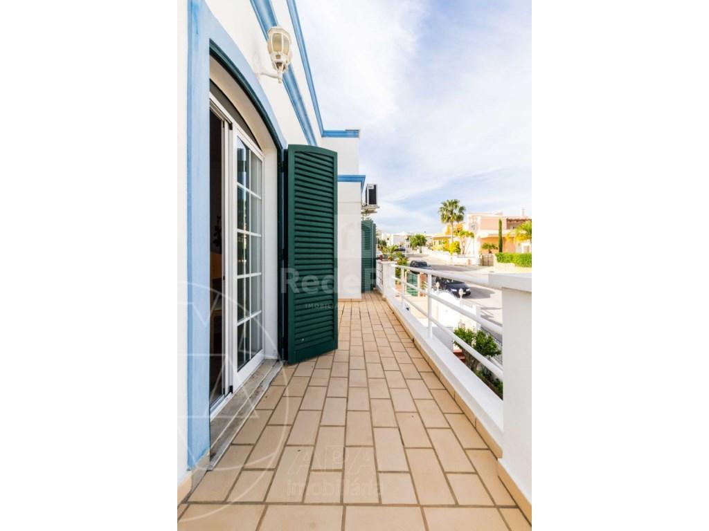 4 Bedrooms Detached House in  Brancanes (31)