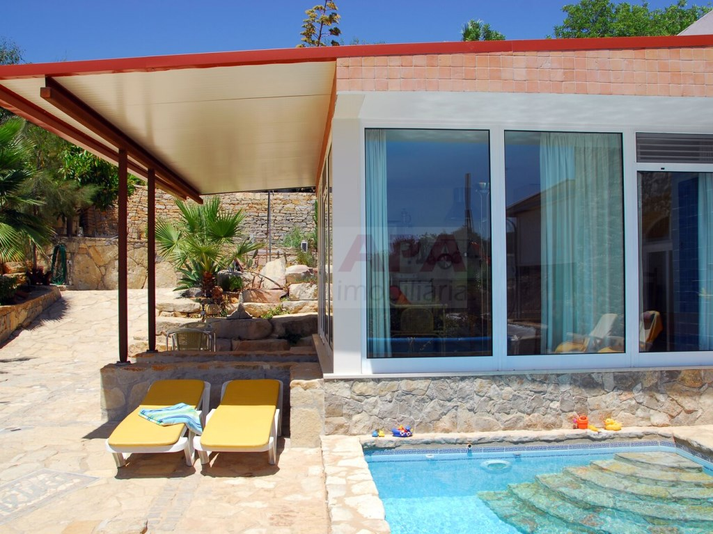 3+2 bedroom villa with swimming pool in Loulé (2)