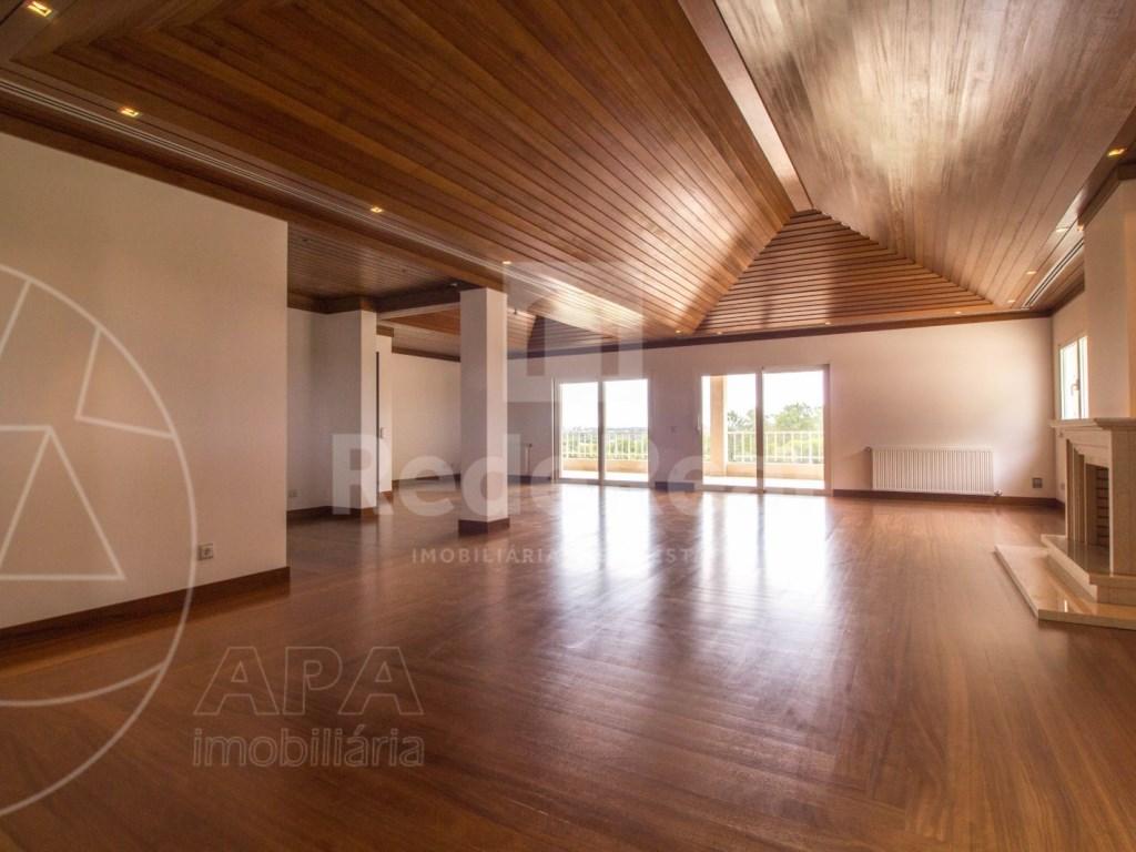 5 Bedrooms + 1 Interior Bedroom House in Quarteira  (5)