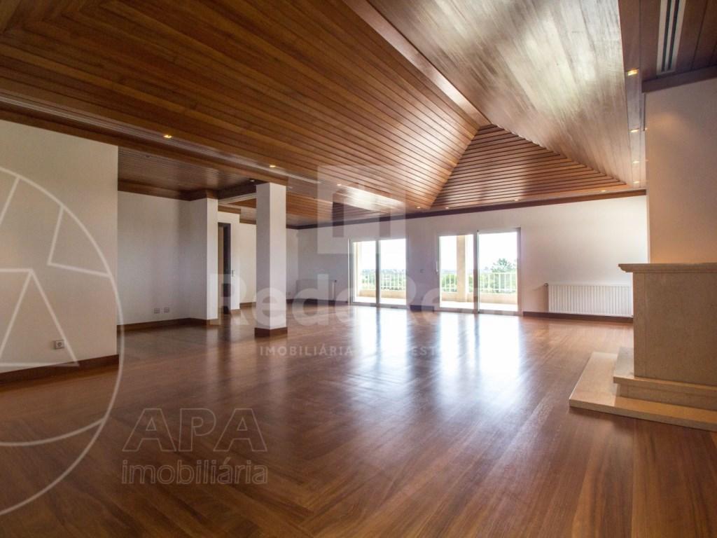 5 Bedrooms + 1 Interior Bedroom House in Quarteira  (7)