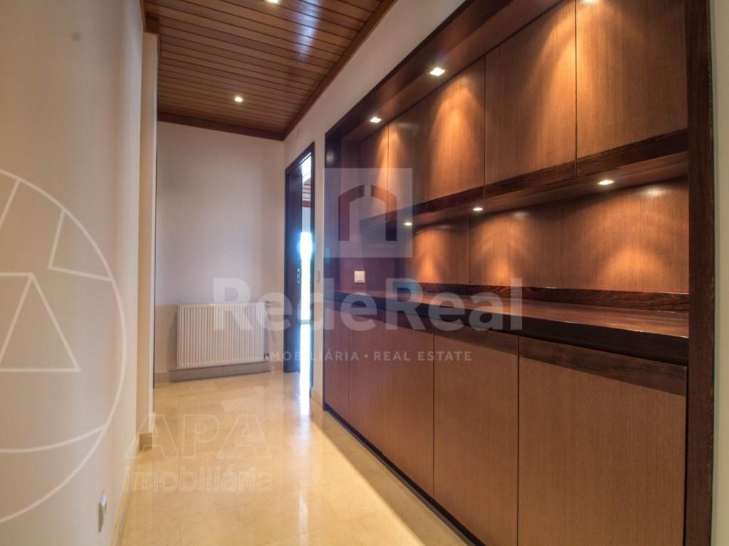 5 Bedrooms + 1 Interior Bedroom House in Quarteira  (9)