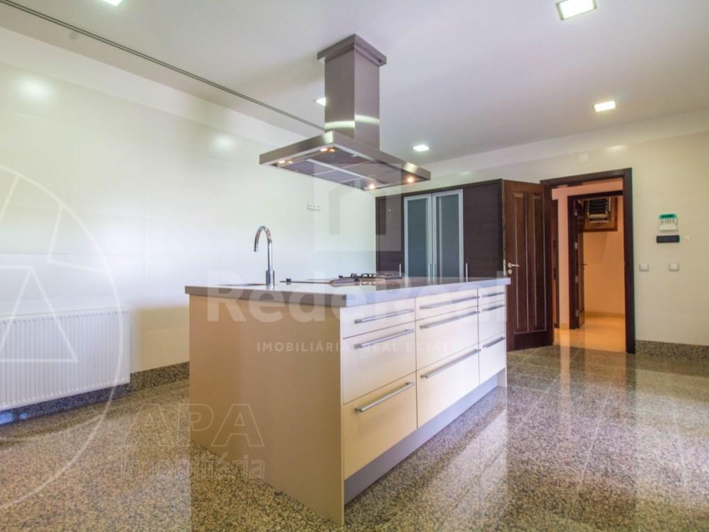 5 Bedrooms + 1 Interior Bedroom House in Quarteira  (12)
