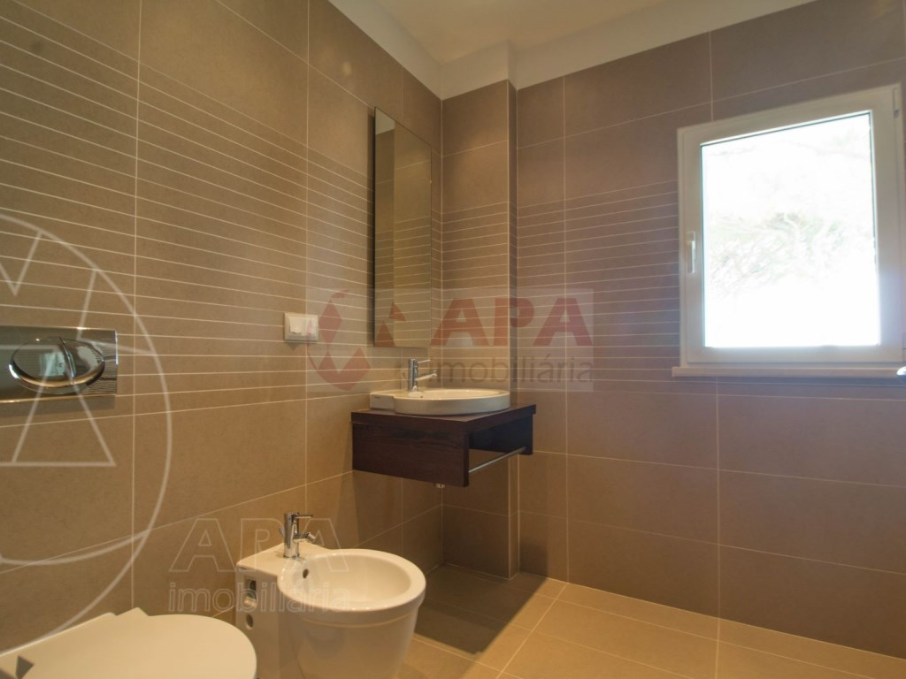 5 Bedrooms + 1 Interior Bedroom House in Quarteira  (18)