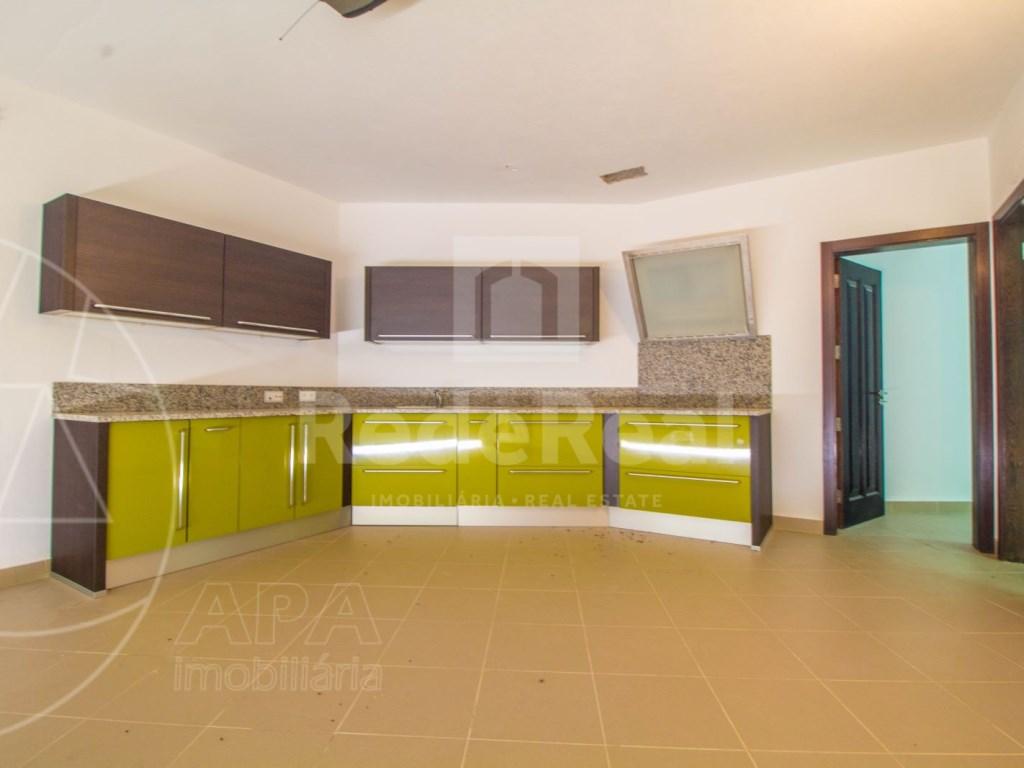 5 Bedrooms + 1 Interior Bedroom House in Quarteira  (25)