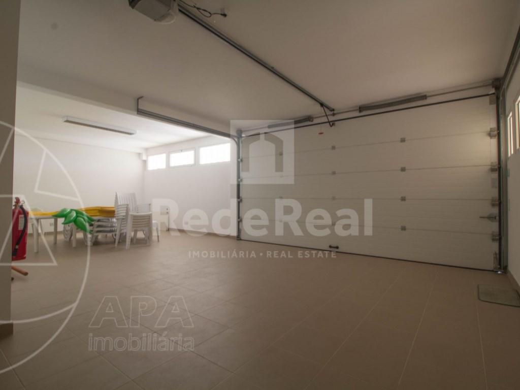 5 Bedrooms + 1 Interior Bedroom House in Quarteira  (27)