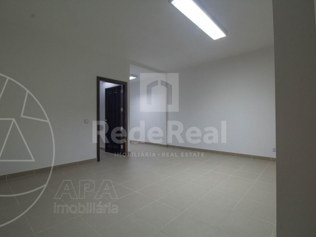 5 Bedrooms + 1 Interior Bedroom House in Quarteira  (28)