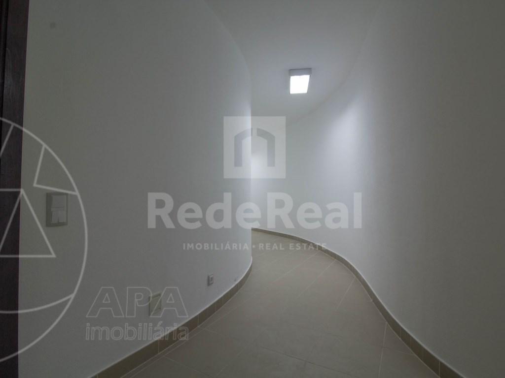 5 Bedrooms + 1 Interior Bedroom House in Quarteira  (29)