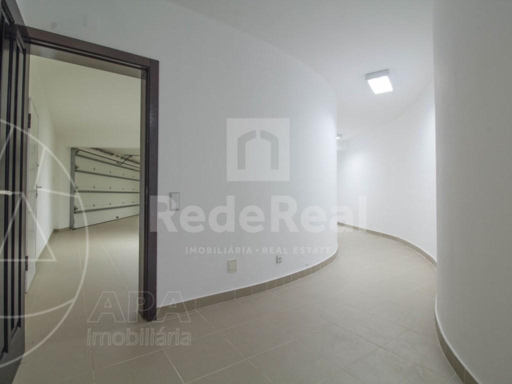 5 Bedrooms + 1 Interior Bedroom House in Quarteira  (30)