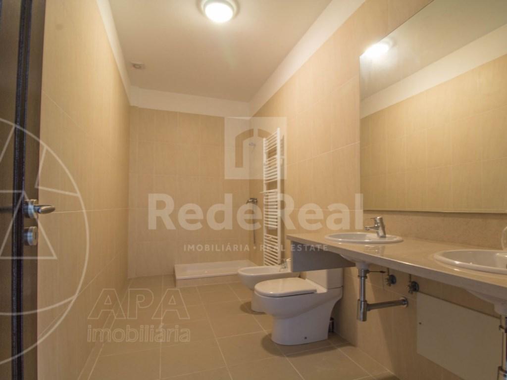 5 Bedrooms + 1 Interior Bedroom House in Quarteira  (32)