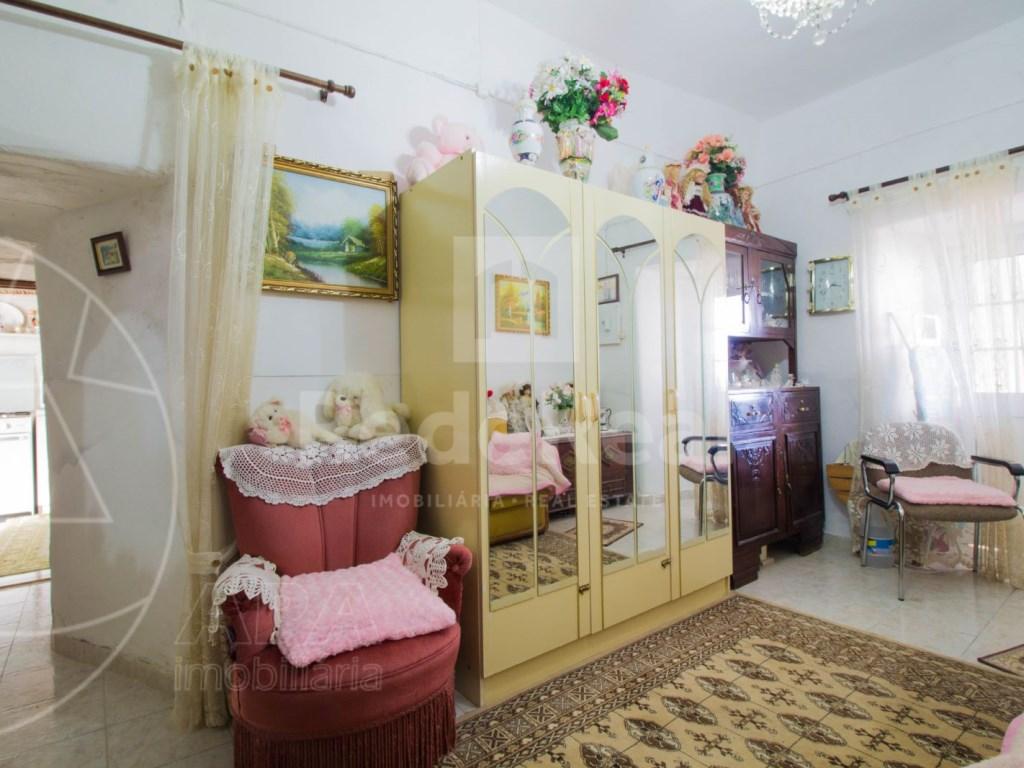3 Bedrooms + 1 Interior Bedroom House in São Brás de Alportel (10)