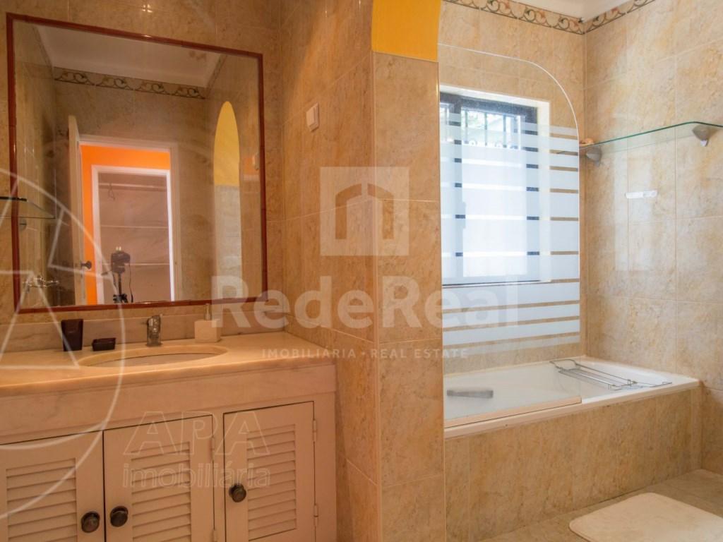 2 Bedroom apartment duplex in Almancil (20)