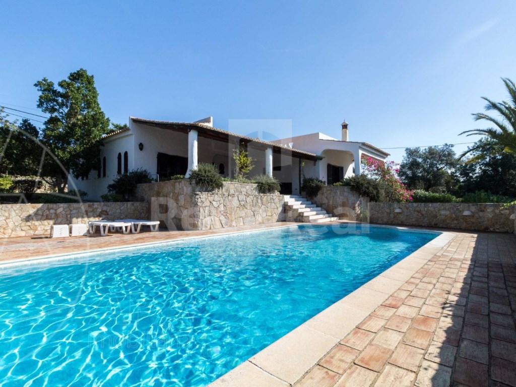 4 Bedrooms House in Vale Telheiro (1)