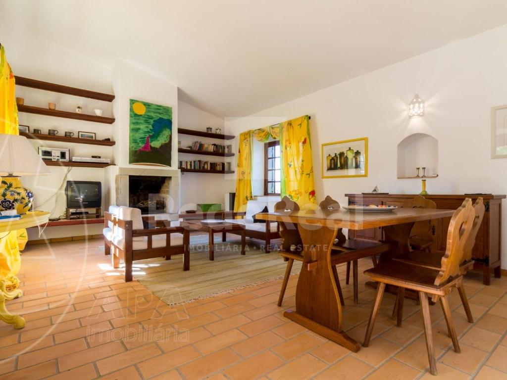 4 Bedrooms House in Vale Telheiro (10)