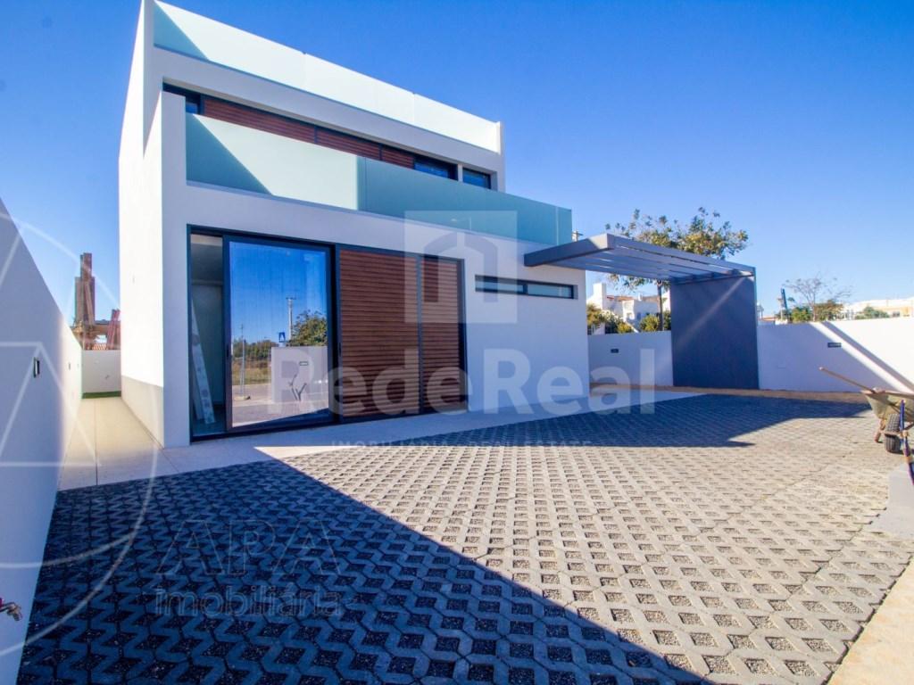 3 Bedrooms Semi-Detached House (1)