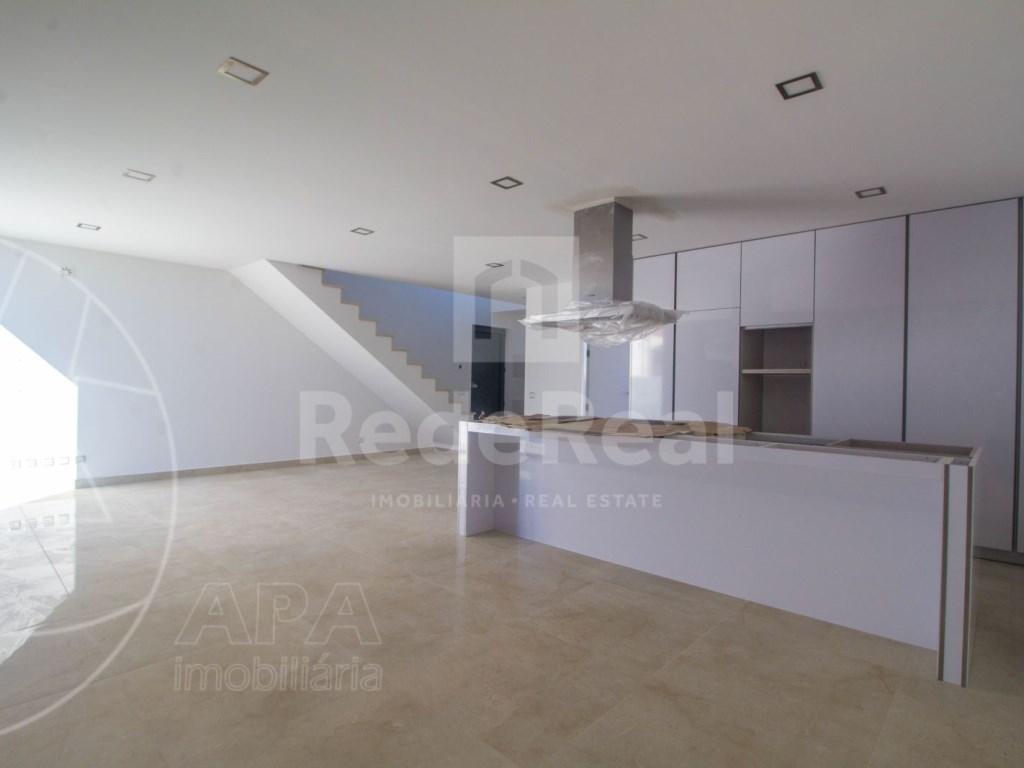 3 Bedrooms Semi-Detached House (4)