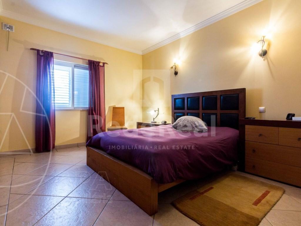 2 Bedrooms + 1 Interior Bedroom Apartment in Albufeira (6)