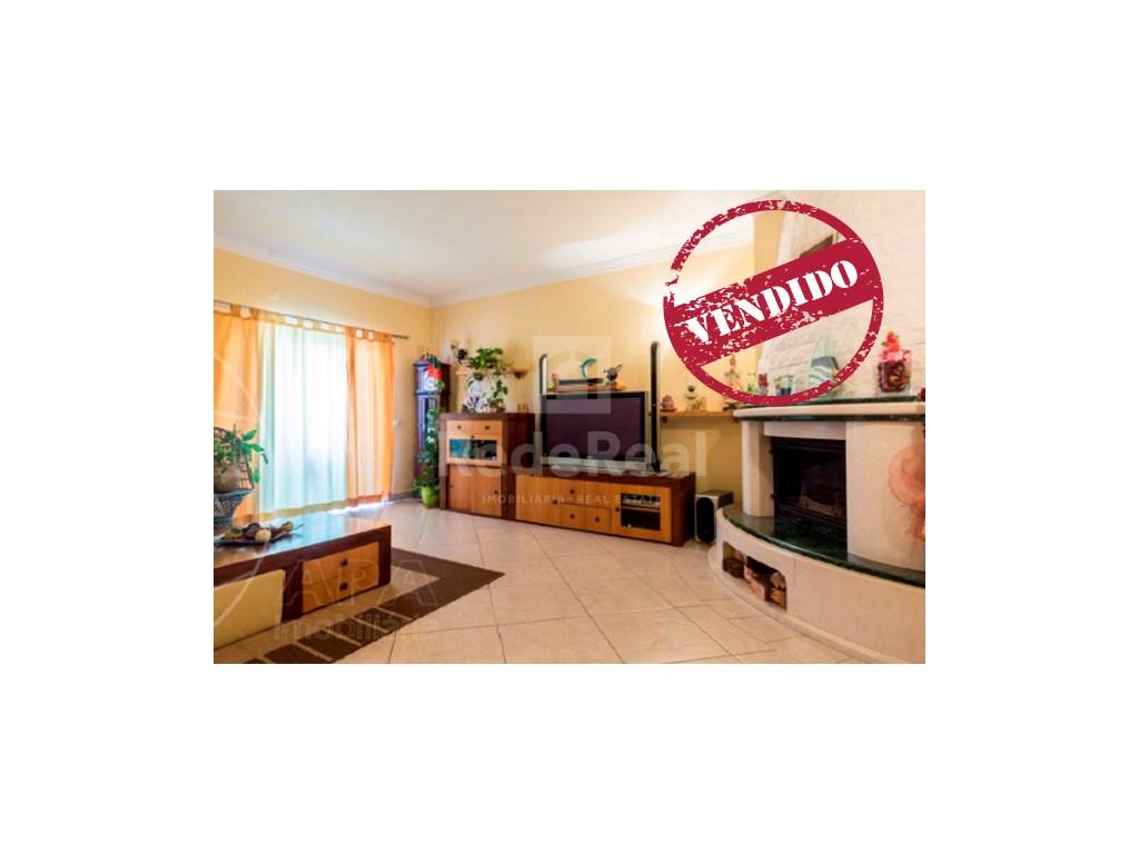 3 Pièces + 1 Chambre intérieur Appartement à  Albufeira (1)
