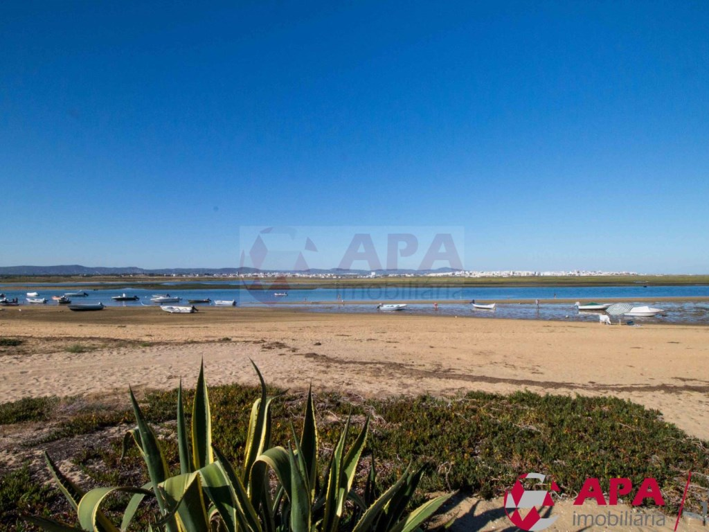 4 Bedrooms Terraced House in  Praia de Faro (14)