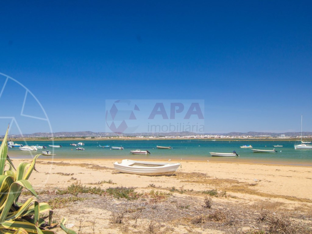 4 Bedrooms Terraced House in  Praia de Faro (16)