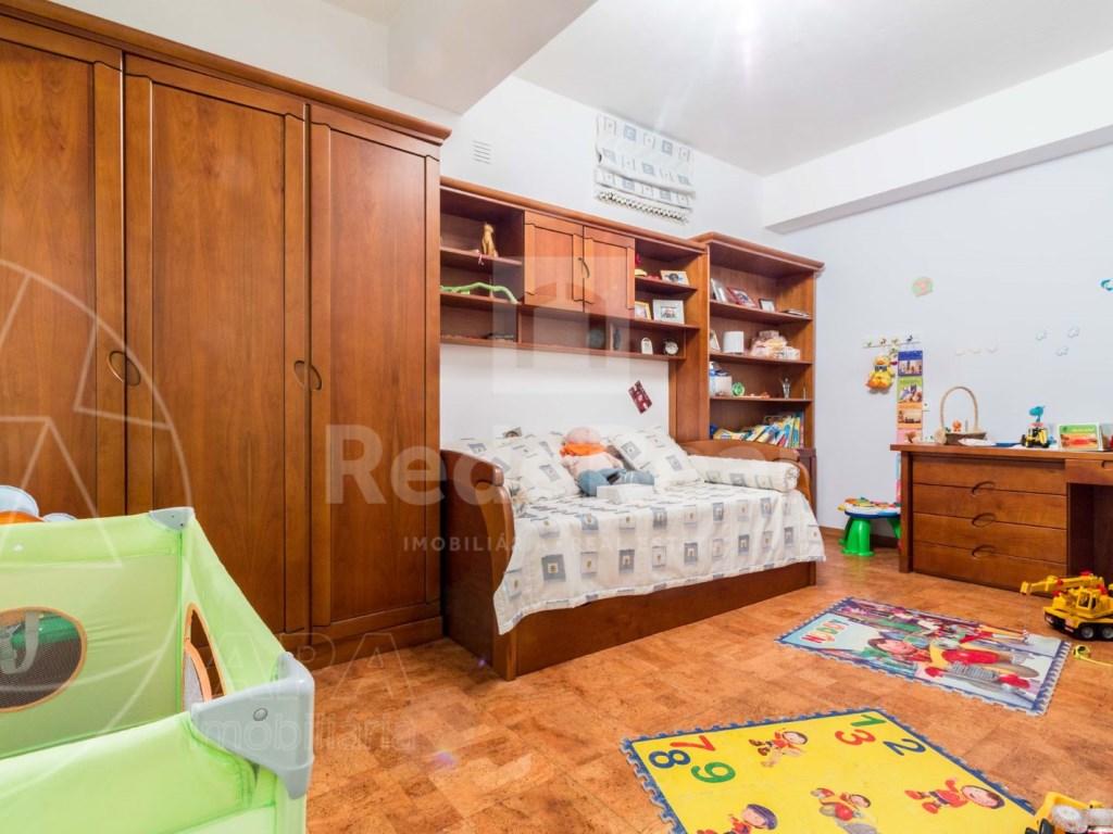 8 Pièces + 1 Chambre intérieur Maison á  Loulé (25)