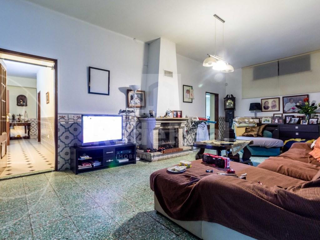 8 Pièces + 1 Chambre intérieur Maison á  Loulé (27)