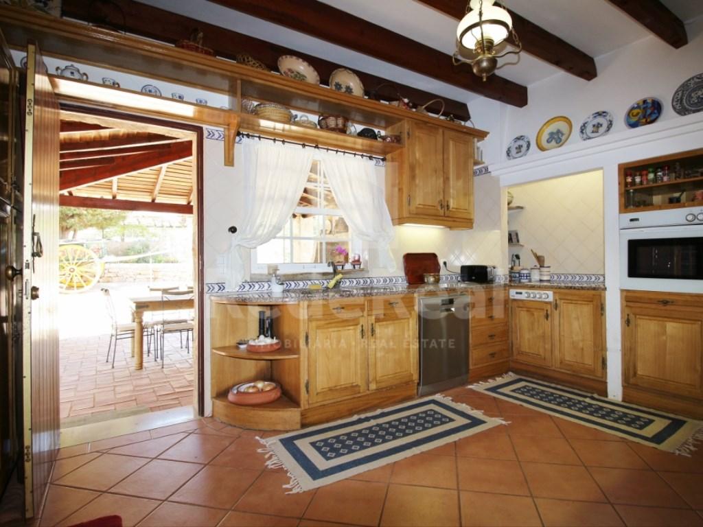6 Bedrooms House in  Santa Bárbara de Nexe (3)