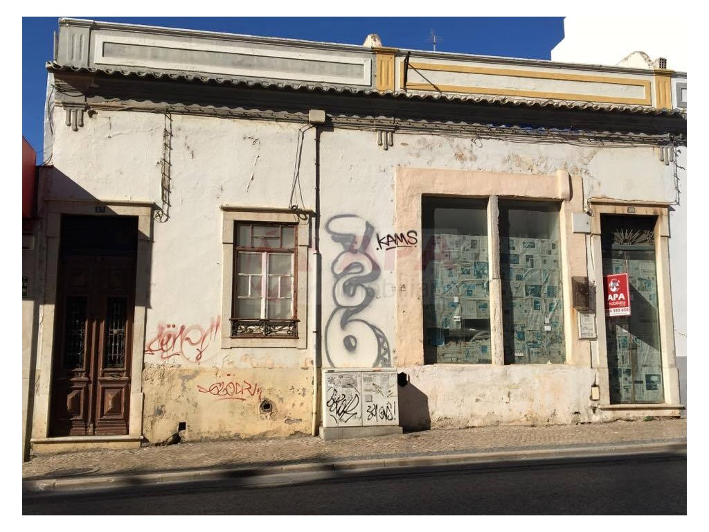 Old House in Faro  (2)