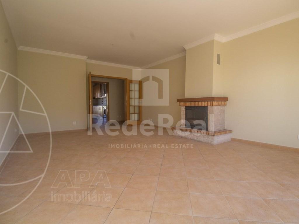 T3 Apartamento in Montenegro (3)