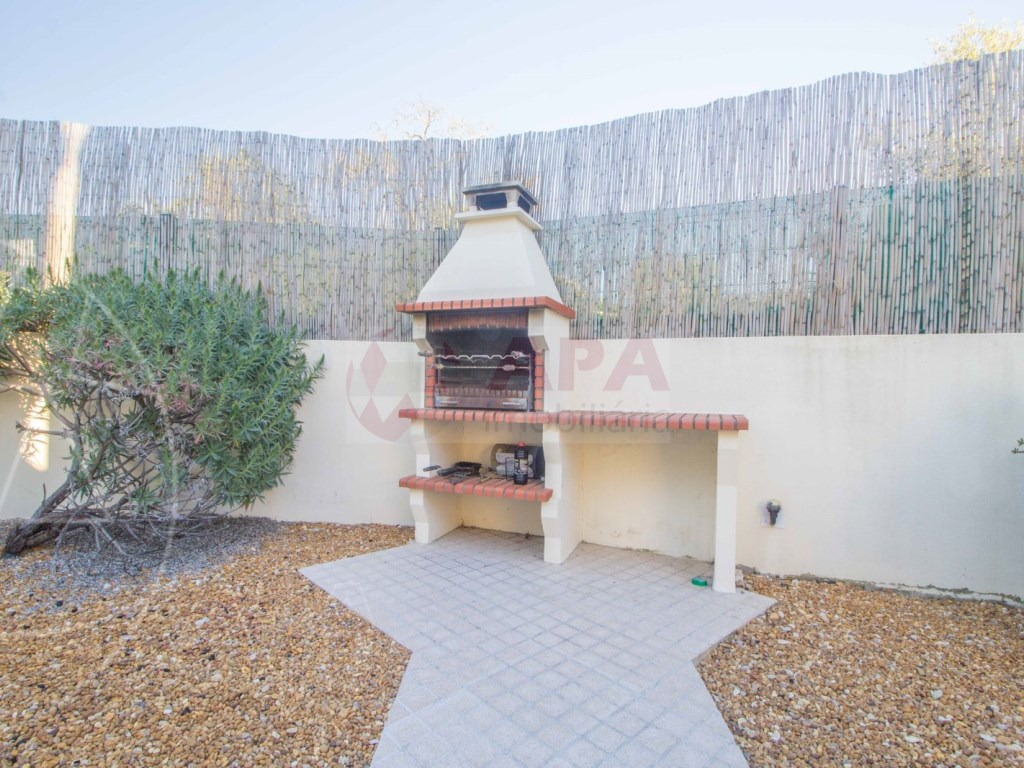 3 Bedrooms + 1 Interior Bedroom Terraced House in  Tavira (5)