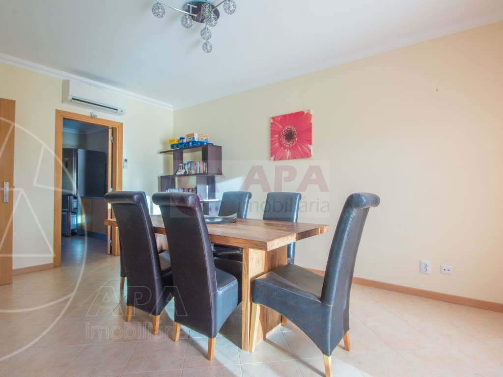 3 Bedrooms + 1 Interior Bedroom Terraced House in  Tavira (10)