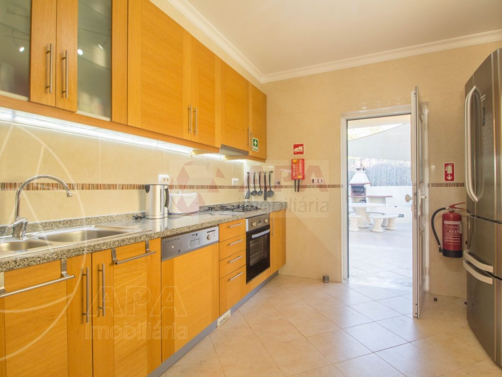 3 Bedrooms + 1 Interior Bedroom Terraced House in  Tavira (11)