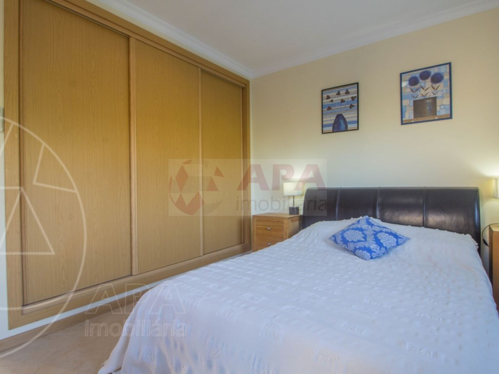 3 Bedrooms + 1 Interior Bedroom Terraced House in  Tavira (24)