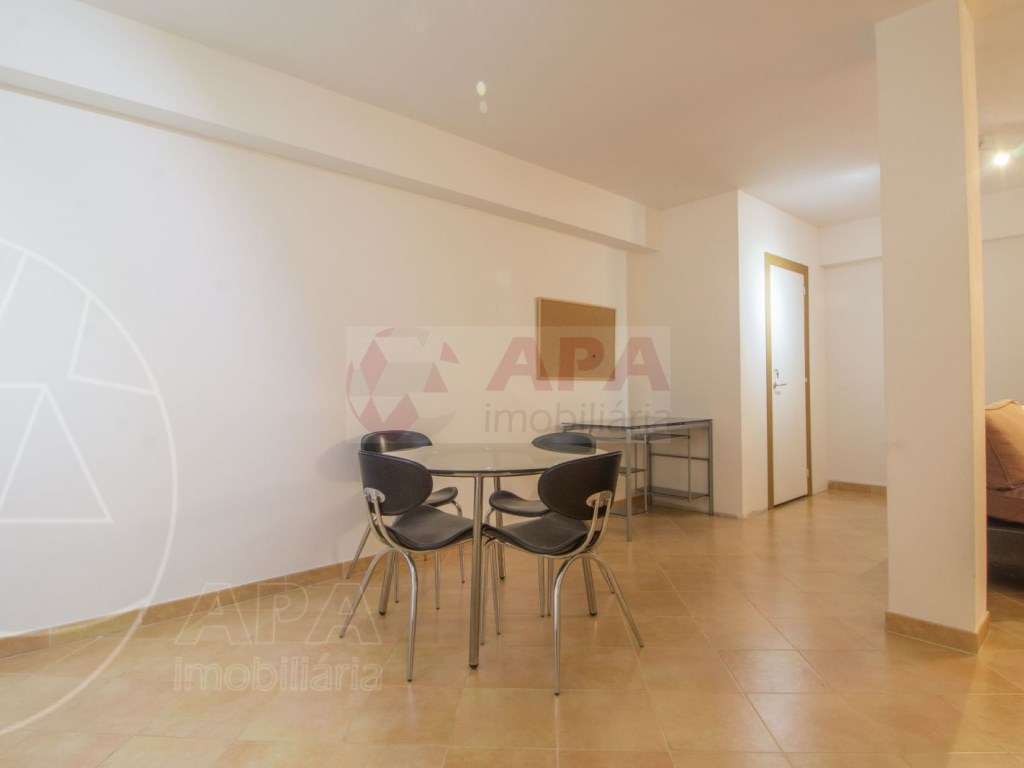 3 Bedrooms + 1 Interior Bedroom Terraced House in  Tavira (38)