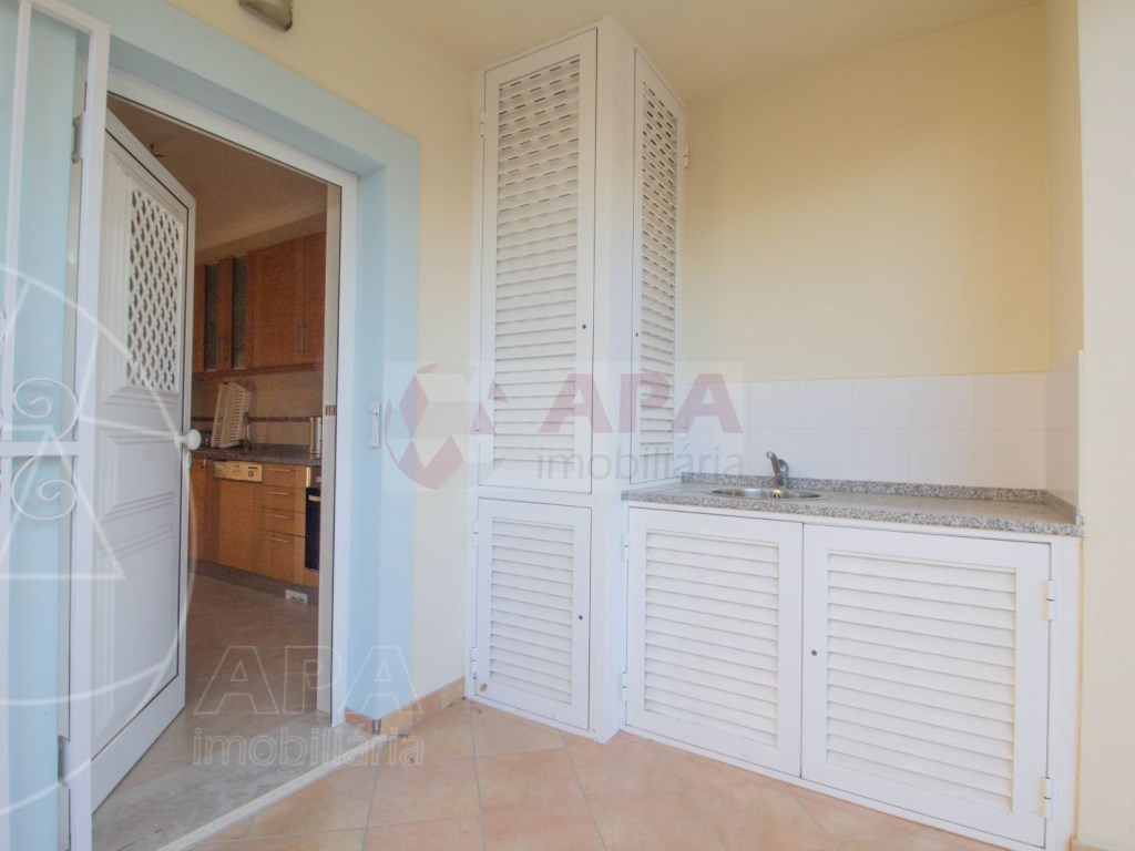 3 Bedrooms + 1 Interior Bedroom Terraced House in  Tavira (43)