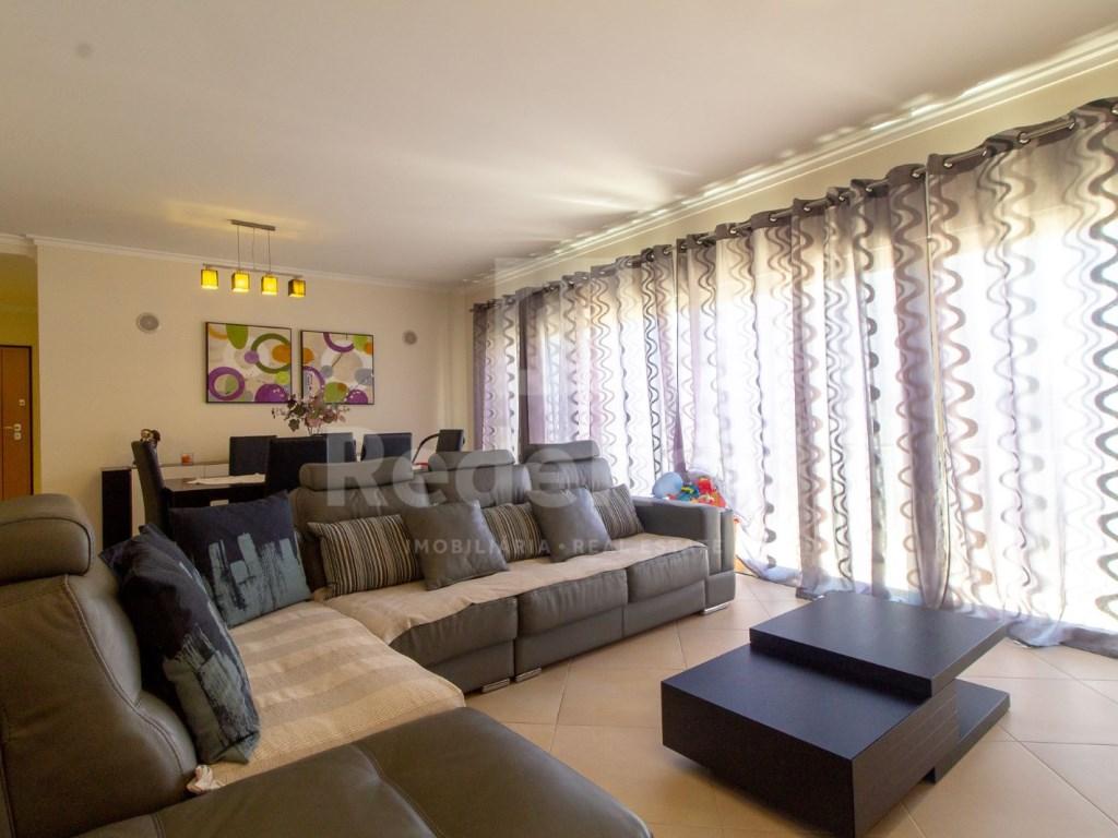 4 Pièces Appartement in Quelfes (1)