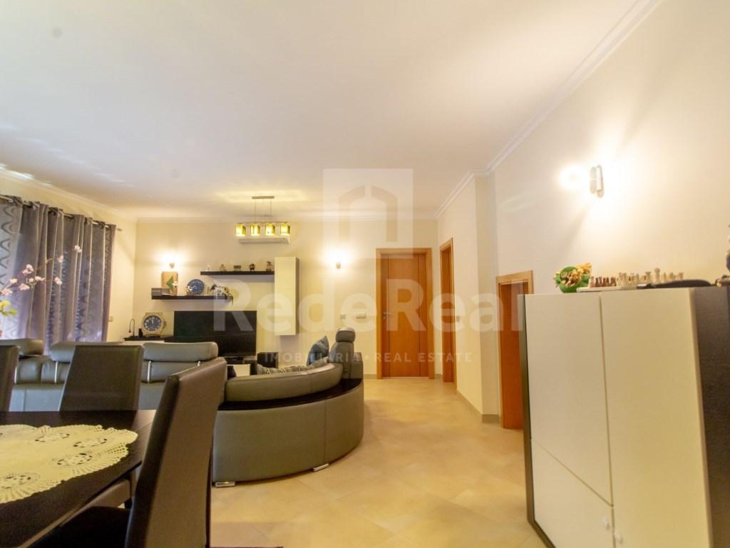 4 Pièces Appartement in Quelfes (2)