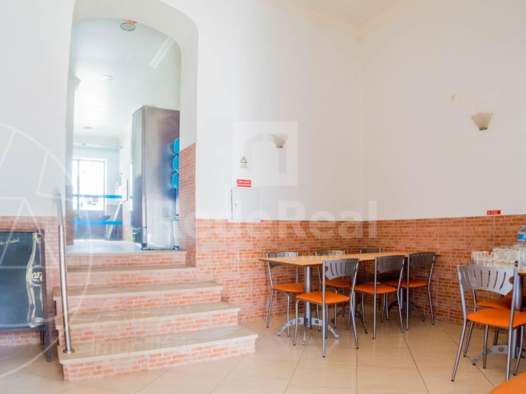 4 Pièces Maison avec espace commercial á Bordeira (16)