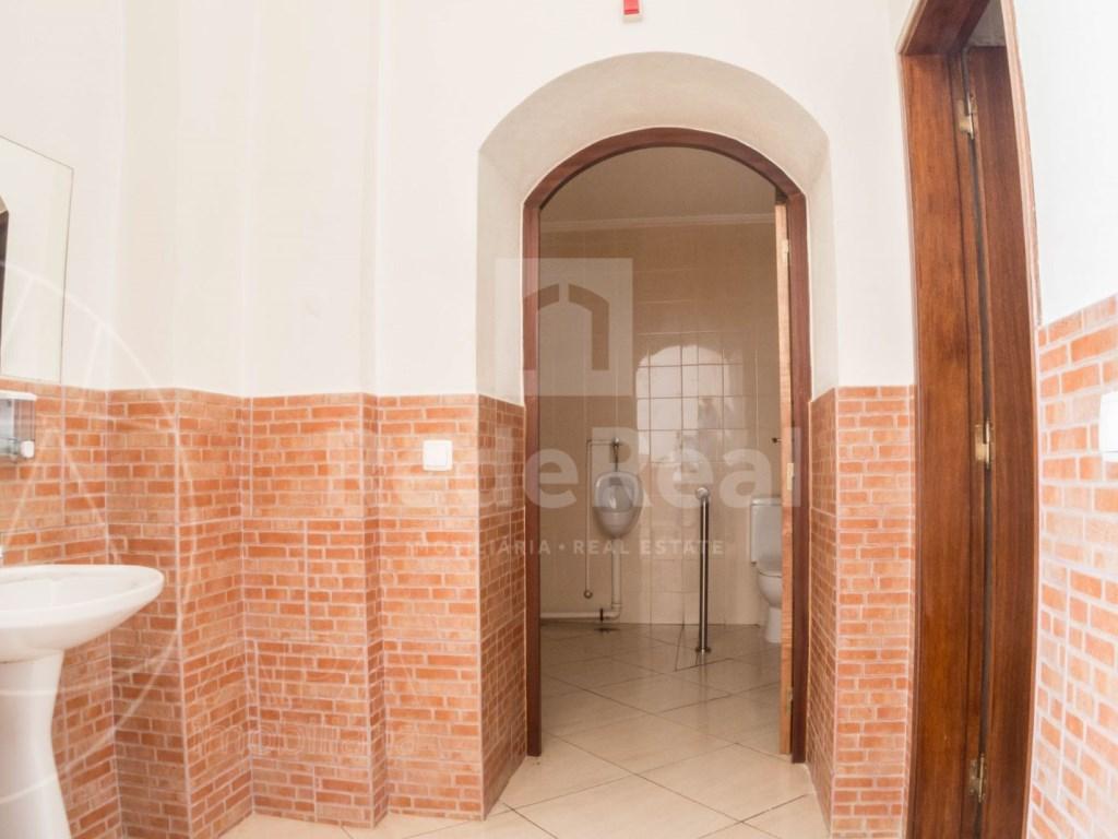 4 Pièces Maison avec espace commercial á Bordeira (19)