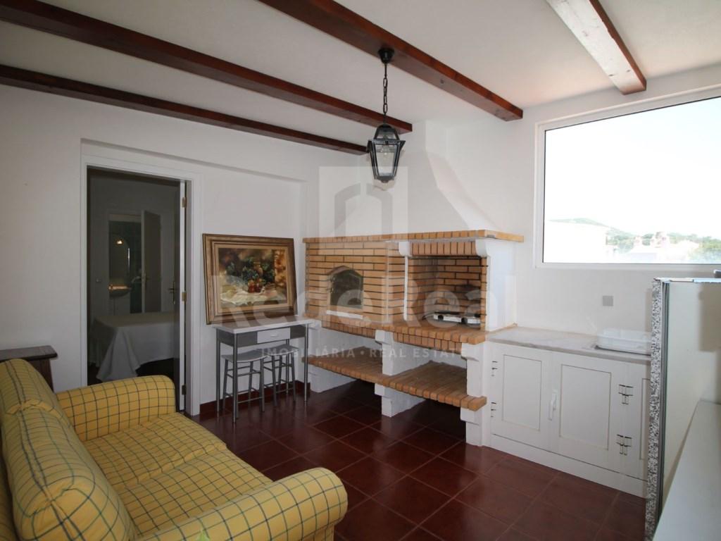 Bedrooms + 1 Interior Bedroom Terraced House in Goncinha (3)