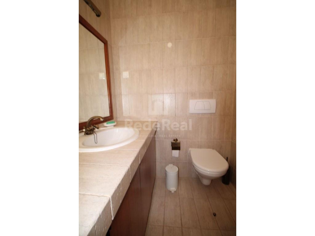 Bedrooms + 1 Interior Bedroom Terraced House in Goncinha (9)
