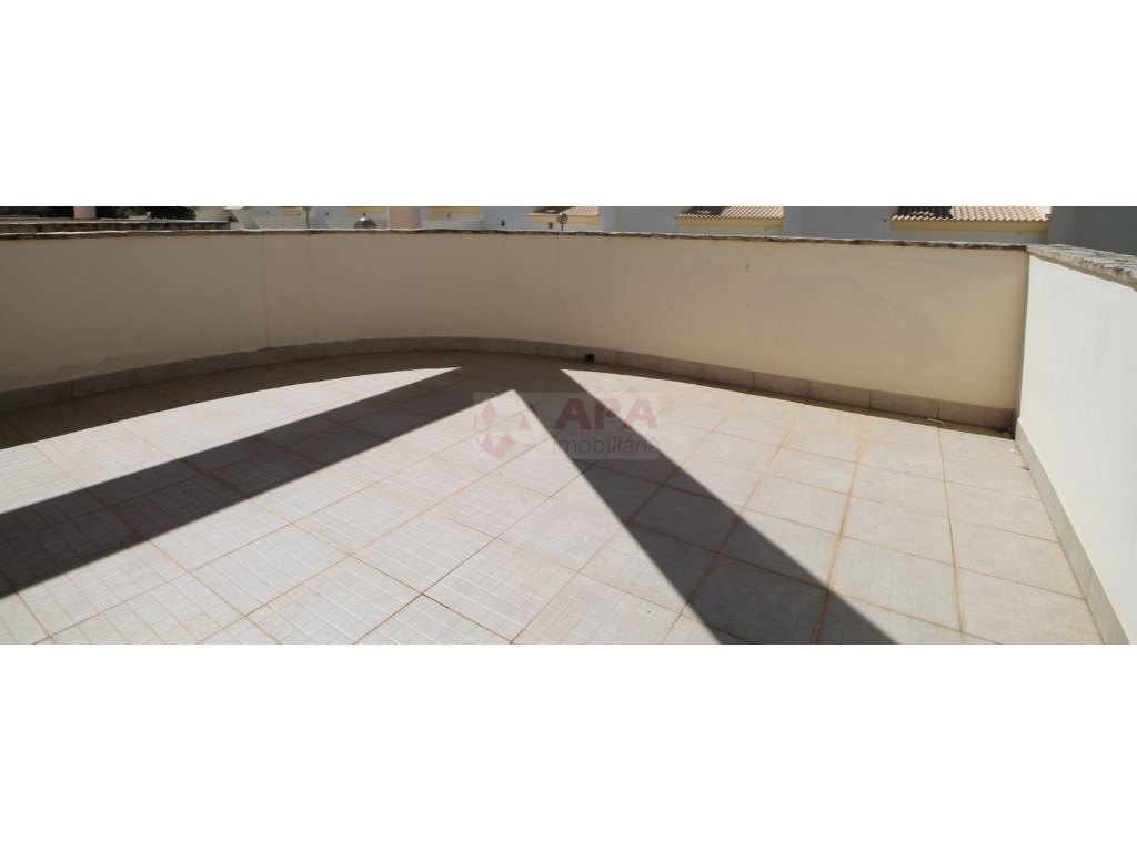 Bedrooms + 1 Interior Bedroom Terraced House in Goncinha (15)