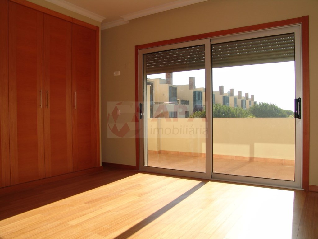 2 Bedrooms + 1 Interior Bedroom Terraced House in Vilamoura (13)
