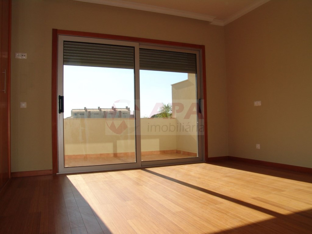 2 Bedrooms + 1 Interior Bedroom Terraced House in Vilamoura (14)