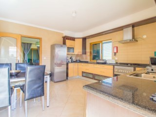 3 Bedrooms + 1 Interior Bedroom House Moncarapacho e Fuseta - For sale