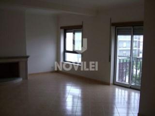 Apartamento T4 › Leiria, Pousos, Barreira e Cortes