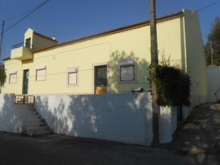Casa Térrea T4 › São João Baptista e Santa Maria dos Olivais